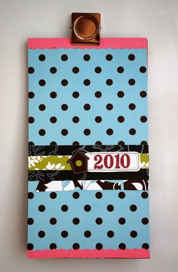 Magnetic 2010 calendar  1