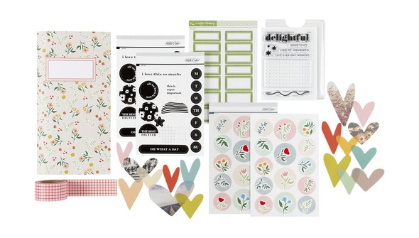 Picture of Full Hearts Traveler's Notebook Kit