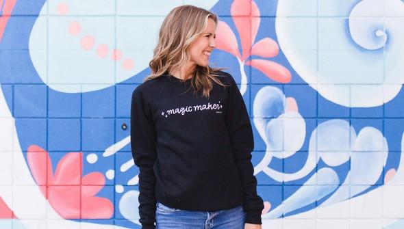 181374 magicmakersweatshirt slider3 original