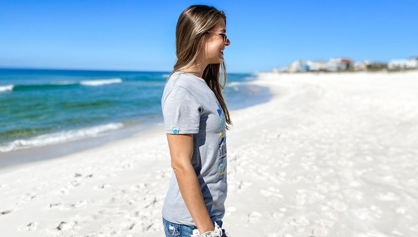 129003  beachy words short sleeve tee women ash slider4 original