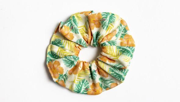 138710 coralpalmscrunchie slider original