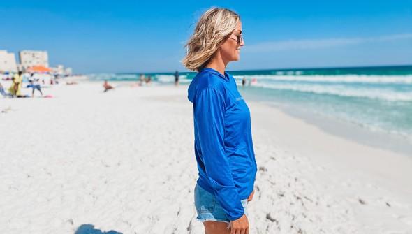 152552 simple beach happy%25c2%25ae hooded sun shirt women royal slider3 original