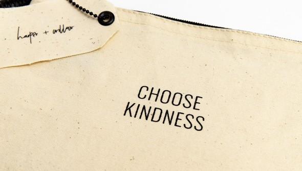 39376 choosekindnesspouch slider3 original