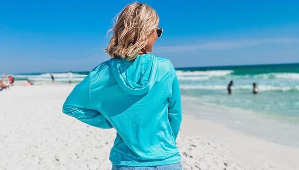 152539 beach happy%25c2%25ae hooded sun shirt women seafoam slider3 original