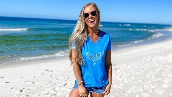 137622 whale tail bottles v neck tee women 30a blue slider2 original