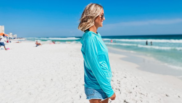 152539 beach happy%25c2%25ae hooded sun shirt women seafoam slider2.2 original