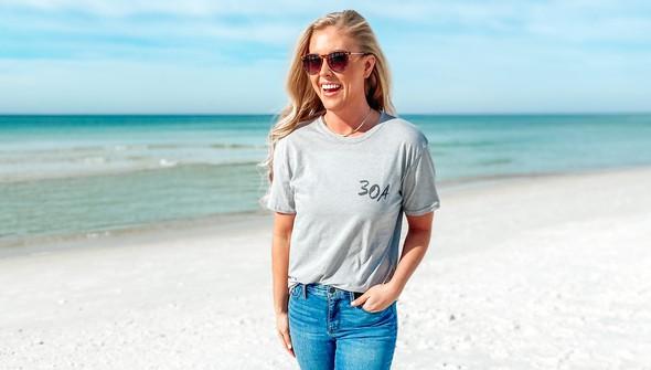 129461 sketched beach short sleeve tee   women   ash slider2 original