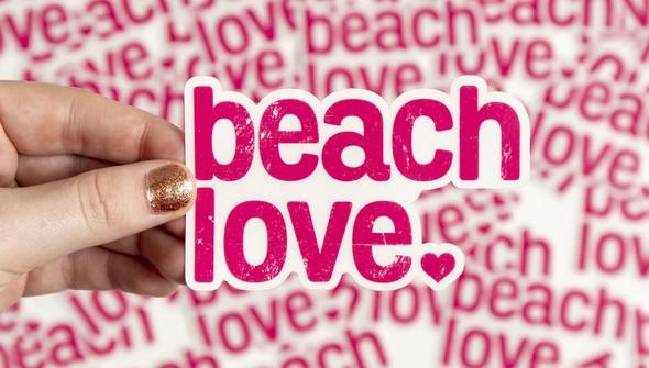 138404 beachlovesticker slider original