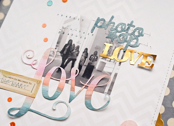 Love photo op close 1