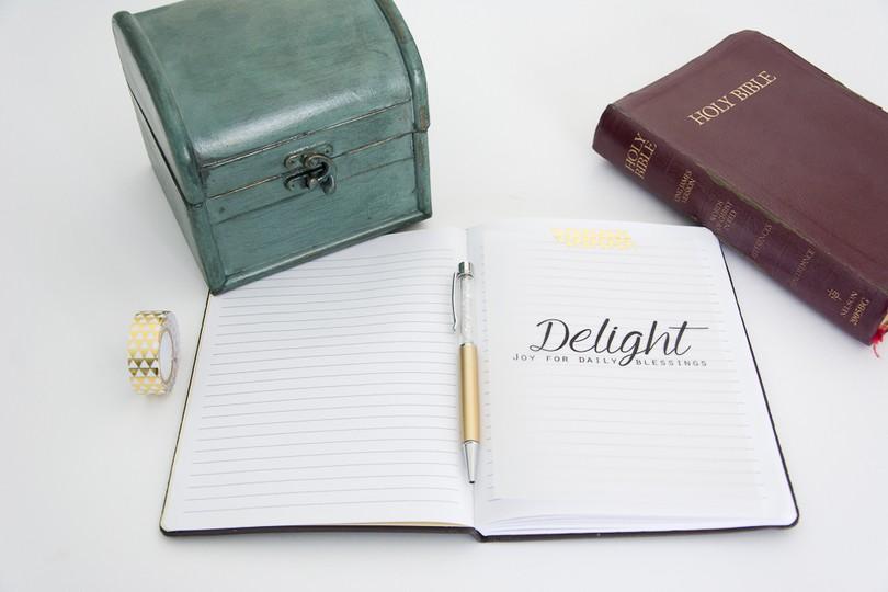 Christian  digital prayer journal cards plus a free printable scripture card via turquoise avenue blog3 original