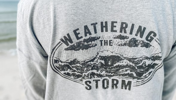 121992 weathering the storm long sleeve tee women ash slider3 original
