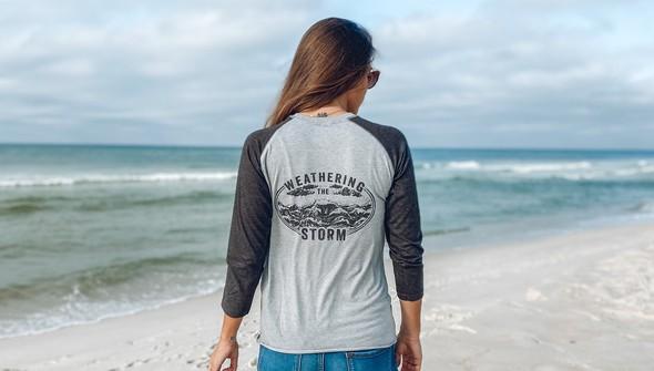 121998 30a weathering the storm baseball tee women ash charcoal slider1 original